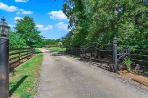 23507 Old Howth Road, Hempstead, TX 77445