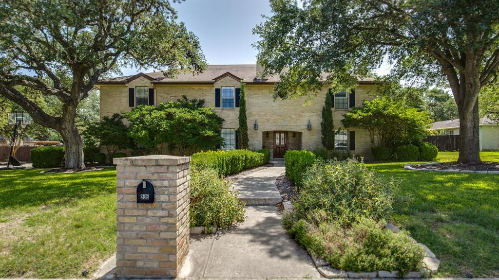 205 Vista Robles Street, Hollywood Park, TX 78232