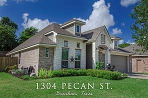 1304 pecan street, brenham, TX 77833