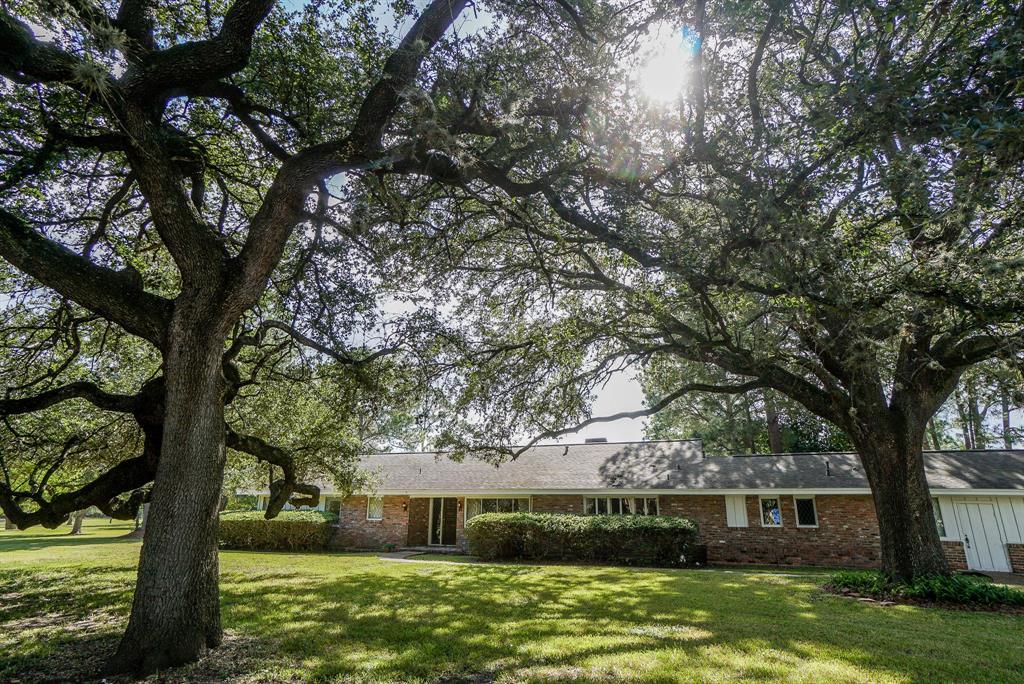 8215 Wateka Circle, Houston, TX 77074