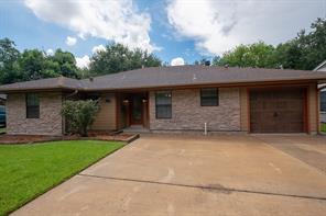 5049 Main, Groves TX 77619