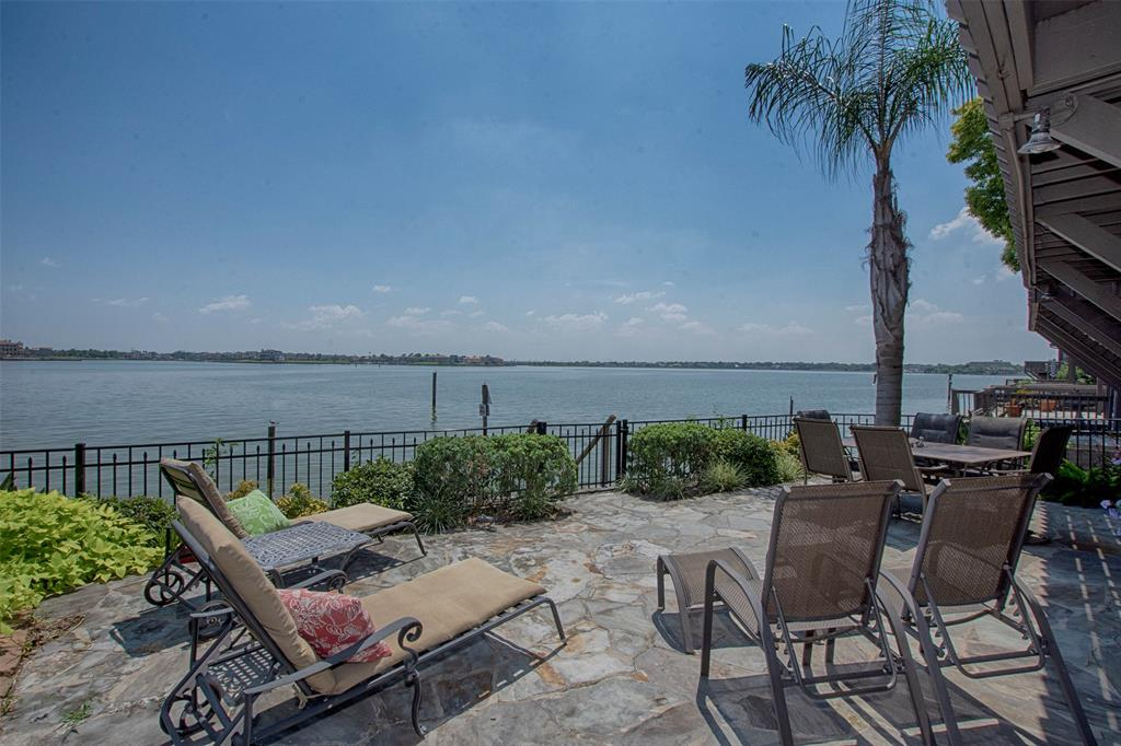 2806 Lighthouse Drive, Nassau Bay, TX 77058
