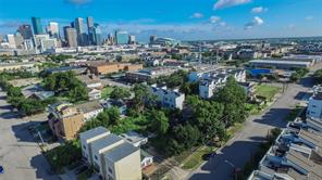 2606 clay street, houston, TX 77003