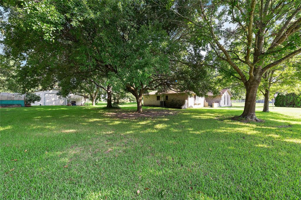 602 Holly Drive, Highlands, TX 77562