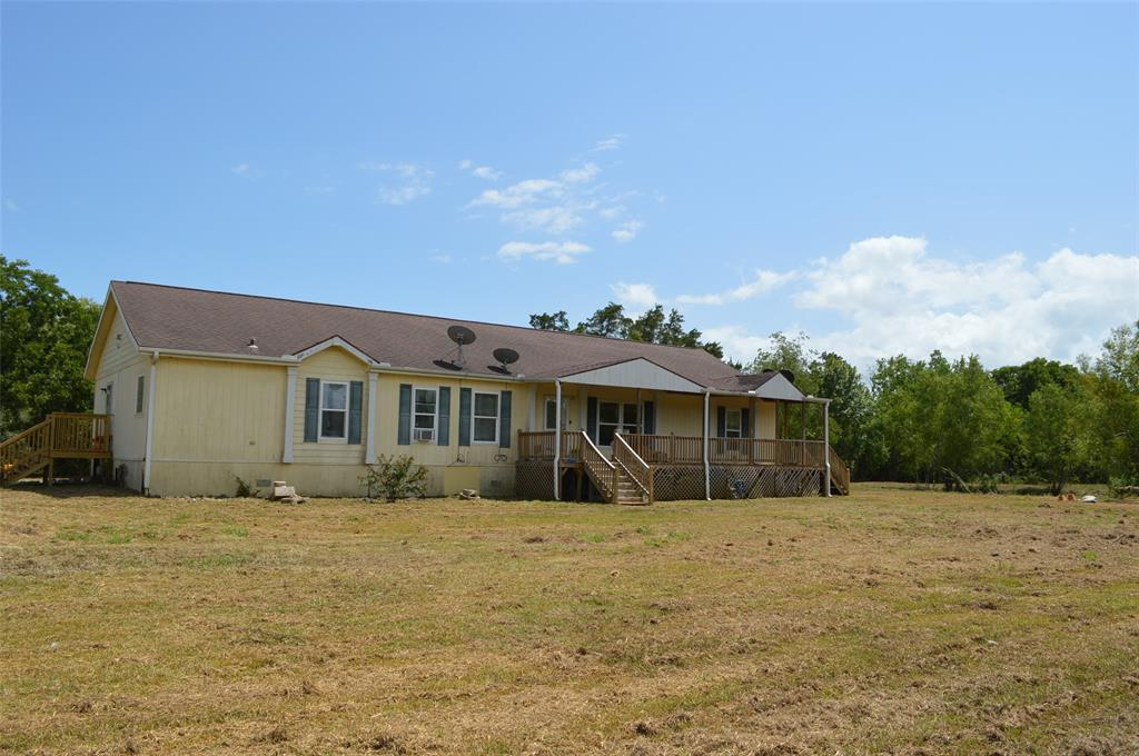 10003 County Road 210, Liverpool, TX 77577