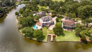 3861 Pine Manor