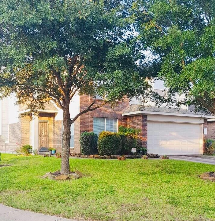 This hidden little gem of a neighborhood is tucked away by Hardy Toll Rd for easy access to I-45, Grand Pkwy 99, Beltway 8, and IAH.
