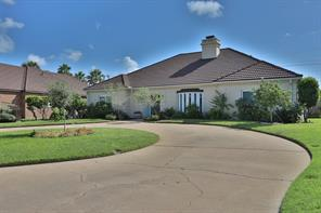 8 adler circle, galveston, TX 77551