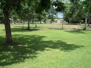 1415 avenue i, danbury, TX 77534