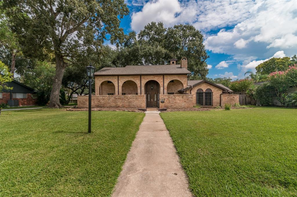 18603 Point Lookout Drive, Houston, TX 77058