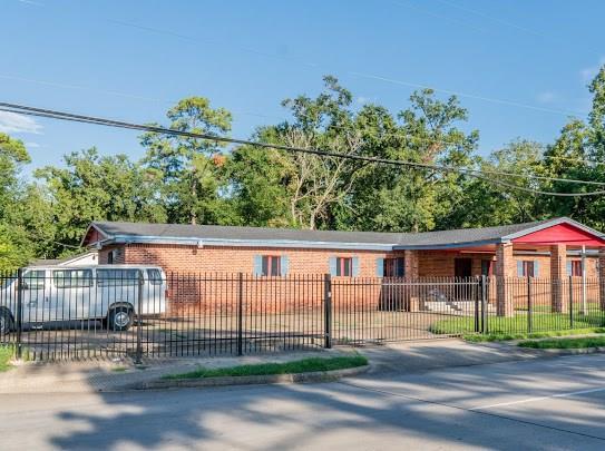 9114 N Wayside Drive, Houston, TX 77028
