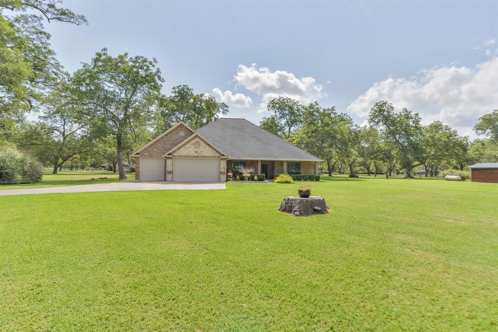 1102 Shady Creek Drive, Wharton, TX 77488