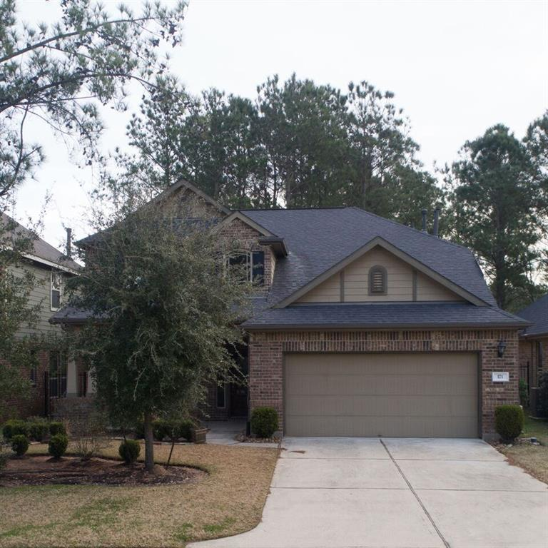 Great 2 story rental property located in desirable Creekside Woodlands area. Master bedroom is downstairs with 3 guest rooms and large game room upstairs. Beautiful kitchen with tons of cabinet space, breakfast room, large open bar and gas stove.  Kitchen opens to living room with cozy fireplace. Large backyard with several trees.