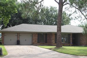 122 poppy street, lake jackson, TX 77566