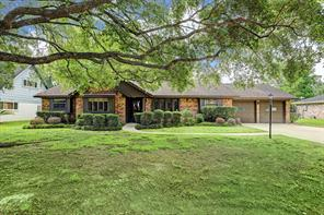 Houston Home at 134 Cherry Tree Lane Friendswood , TX , 77546-2002 For Sale