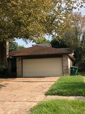 6627 villarreal drive, houston, TX 77489
