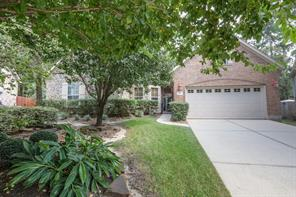 11 Cairn Oaks Place, The Woodlands, TX 77381