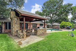 610 Heather Lane, Friendswood, TX 77546