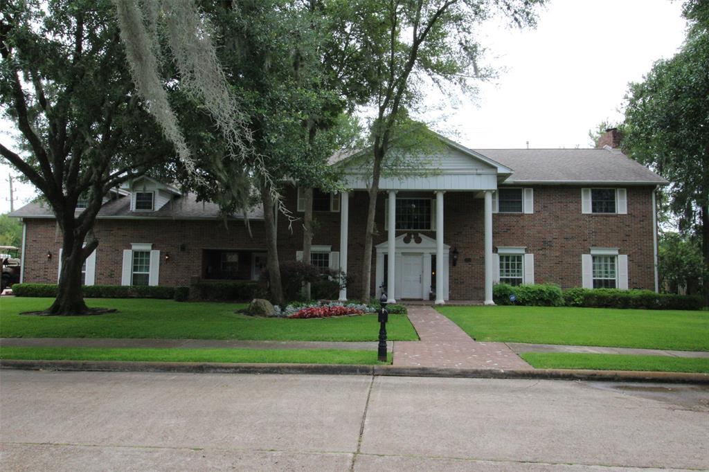 3404 Creekbend Drive, Baytown, TX 77521