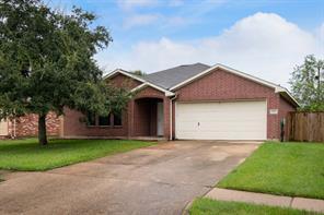 2905 community drive, alvin, TX 77511