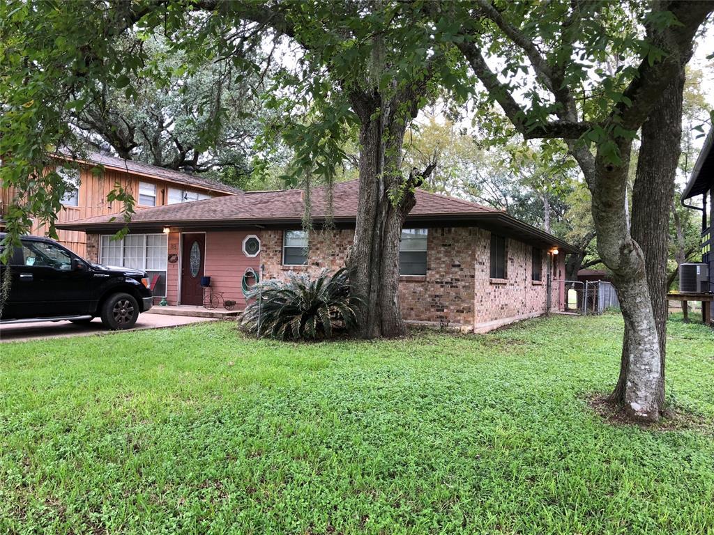 929 Private Road 652, Sargent, TX 77414