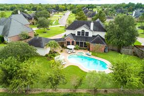 3375 clearwood circle, alvin, TX 77511
