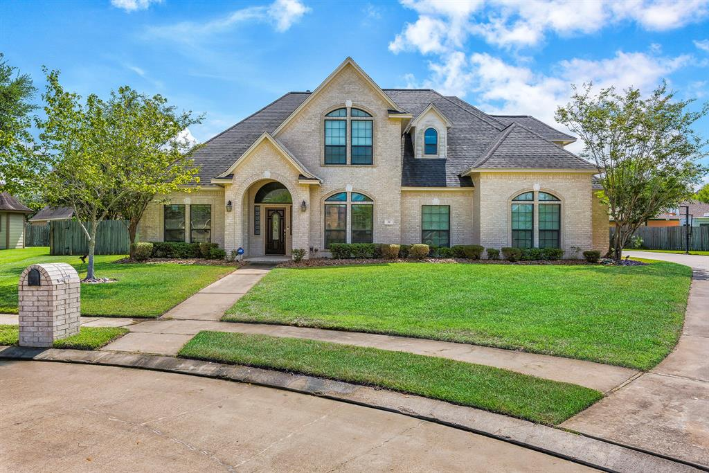 56 Lavender Court, Lake Jackson, TX 77566