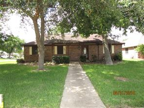 51 Walnut, Lake Jackson TX 77566