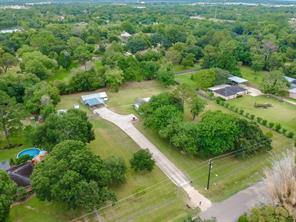 12547 Eiker Road, Brookside, TX 77581