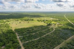400 e community road ranch e, carrizo springs, TX 78834