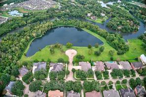 306 green oaks drive, league city, TX 77573