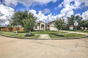 559 Small Cedar Drive, League City, TX 77573