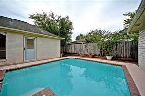6110 Bankside, Houston TX 77096
