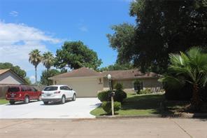 4009 Briarglen Drive, Dickinson, TX 77539