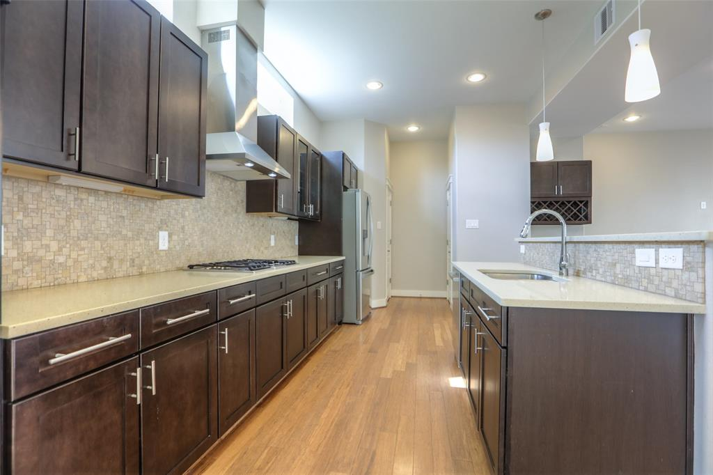 The family chef will love cooking and entertaining in this kitchen.