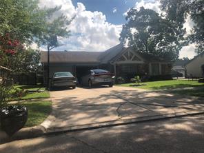 363 Queenstown, Houston TX 77015