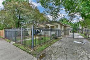 620 20th, Houston, TX, 77008