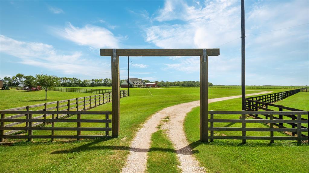 14710 Old Irish Farm Road, Baytown, TX 77523