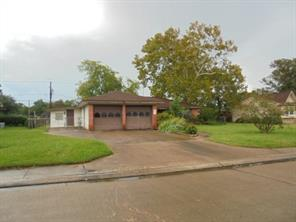 Houston Home at 233 Mimosa Street Lake Jackson , TX , 77566-5646 For Sale