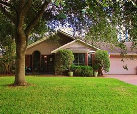 809 Shirleen Drive, Seabrook, TX 77586