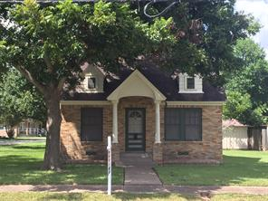 1302 austin street, richmond, TX 77469