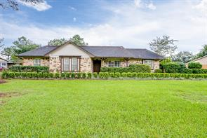 1808 McGinnis Drive, Pearland, TX 77581