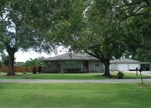 200 n cedarvale road, bay city, TX 77414