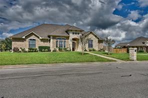 301 whispering oak circle, brenham, TX 77833