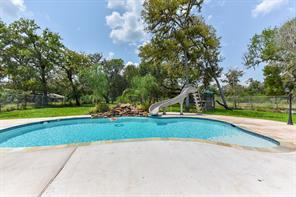 16510 Mill Drive, Rosharon, TX 77583