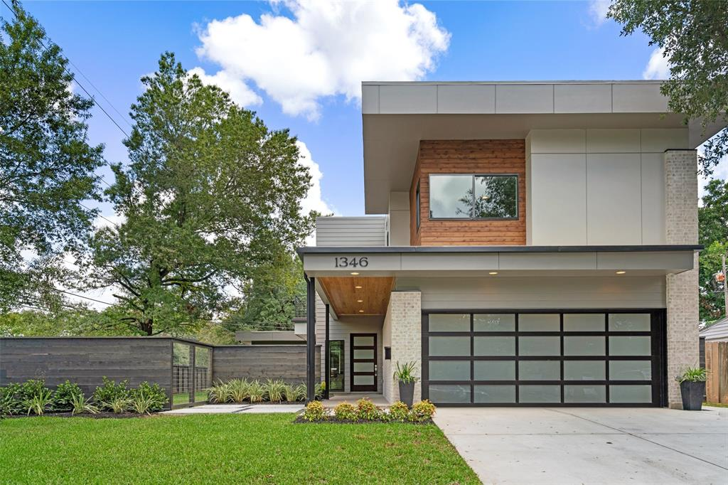 1346 Chamboard Lane, Houston, TX 77018