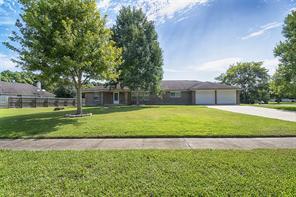 335 s shirley street, alvin, TX 77511