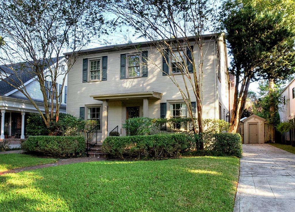 Charming 4/3 2-story in Southside Place.Kitchen open to large family room,with fireplace and French doors to backyard.Master with fireplace,2 closets.Hardwood down,full bath down,great formals.4 large bedrooms up.Nice flow,very traditional floorplan,design.Seller is Estate.