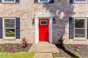 211 Old Bayou Drive, Dickinson, TX 77539