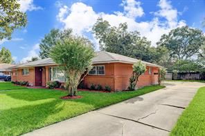 8222 glencrest street, houston, TX 77061